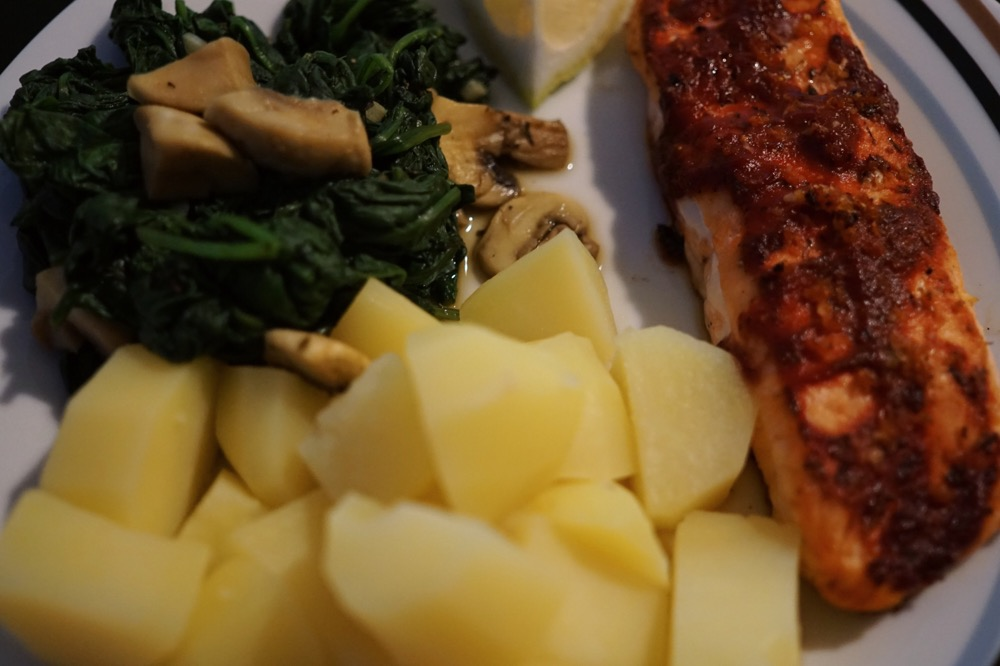 Baked Salmon with spinach and potatoes