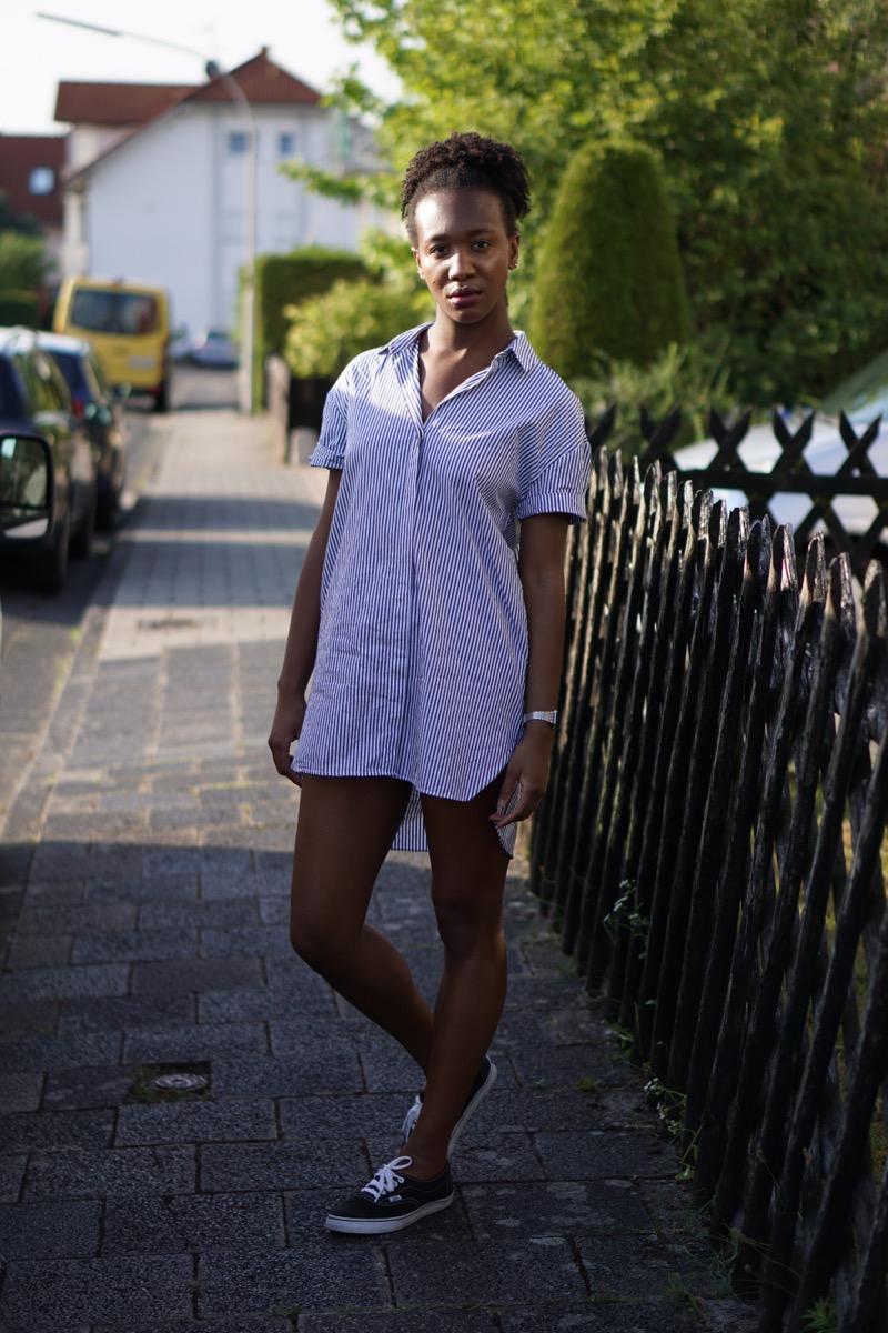 About Jey / Portrait - Striped Marine Dress