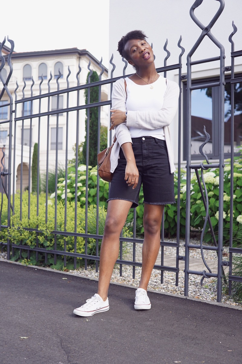 Black boyfriend shorts
